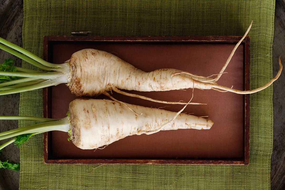 Altes Wurzelgemüse wie die Pastinake werden wieder öfter verarbeitet.