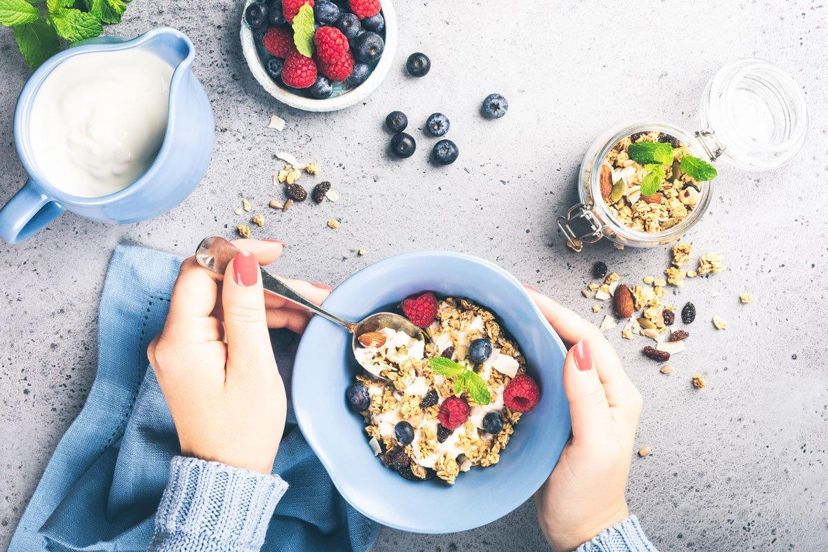 Unverarbeitete Lebensmittel essen