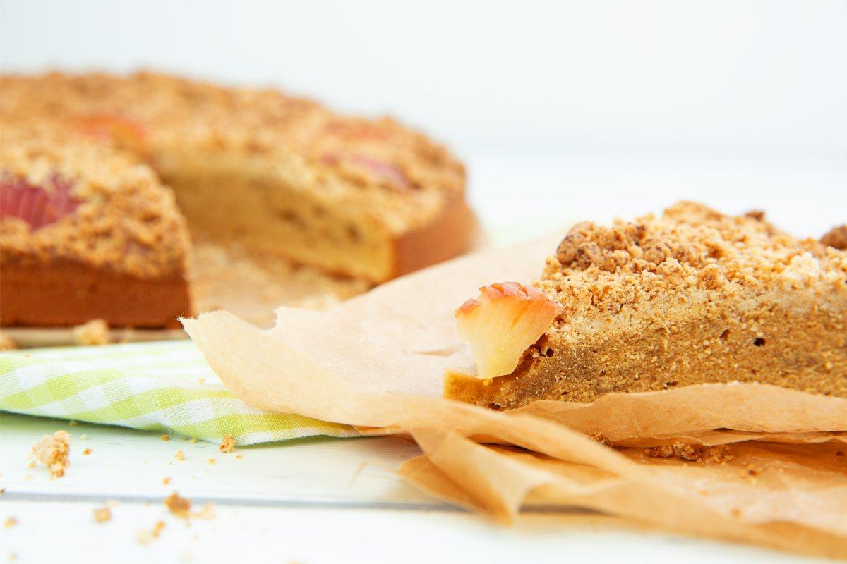 Gesunder Obstkuchen mit Streuseln