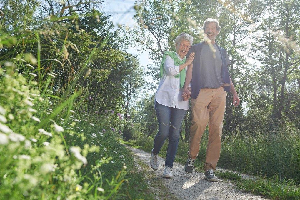 Spazierengehen: Eine gute Methode unsere Lymphe in Schwung zu bringen.