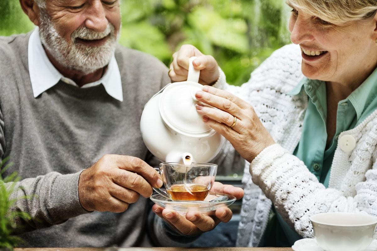 Basischer Tee: Optimal für eine gesunde Säure-Basen-Balance