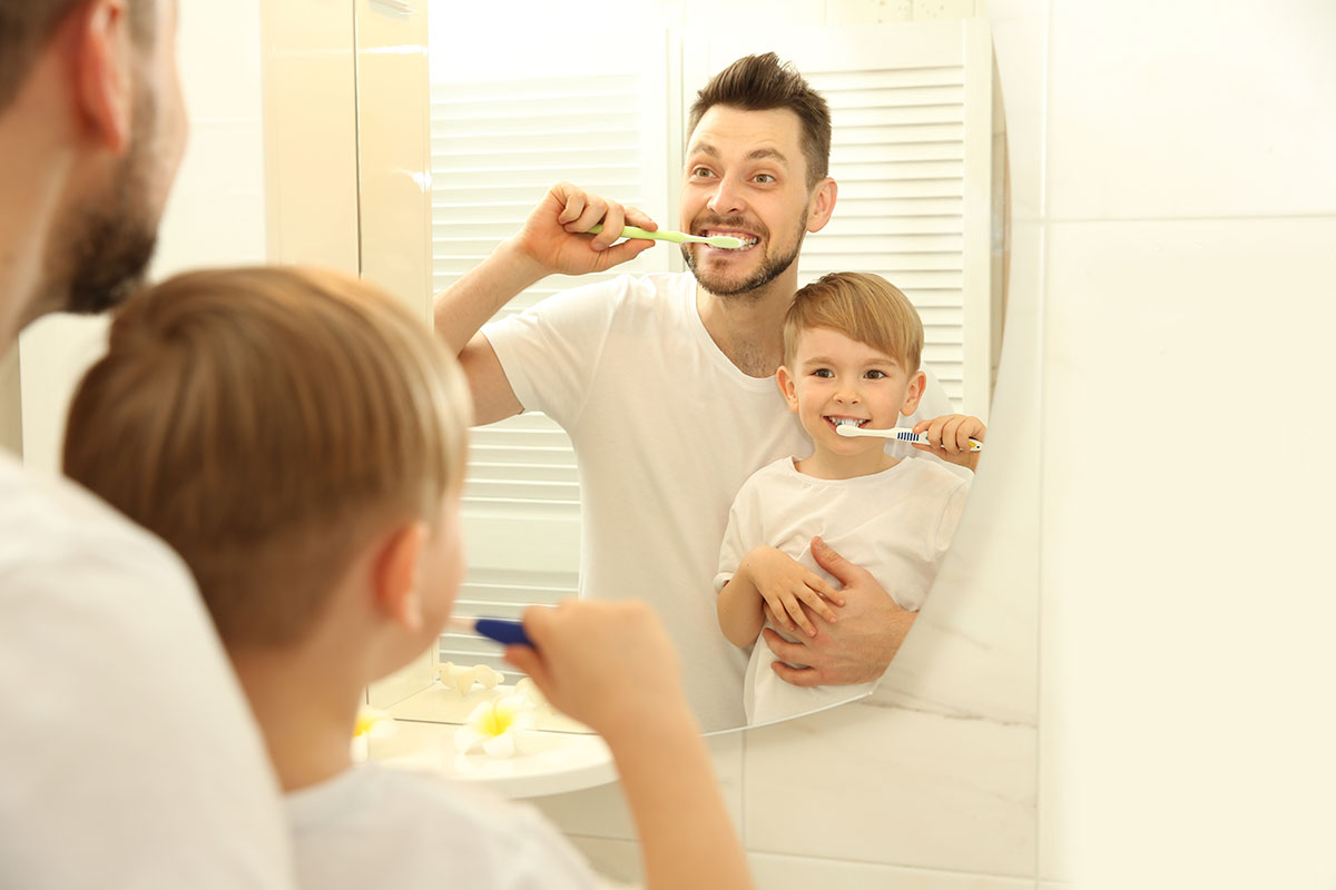 Mikroplastik: Es steckt in Zahnpasta, Peelings und sogar in Honig und unserer Atemluft.