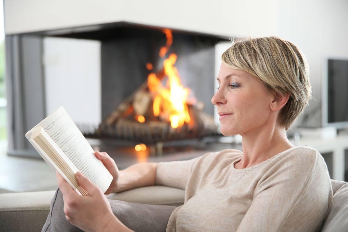 Schadstoffe im Haus: Kamin, Putzmittel und sogar Kosmetik können eine Quelle sein.