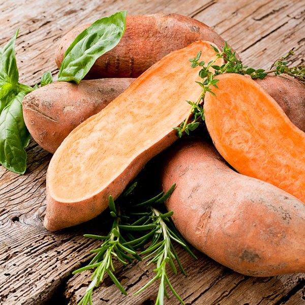 Die Süßkartoffel ist nährstoffreicher als unsere heimische Knolle.