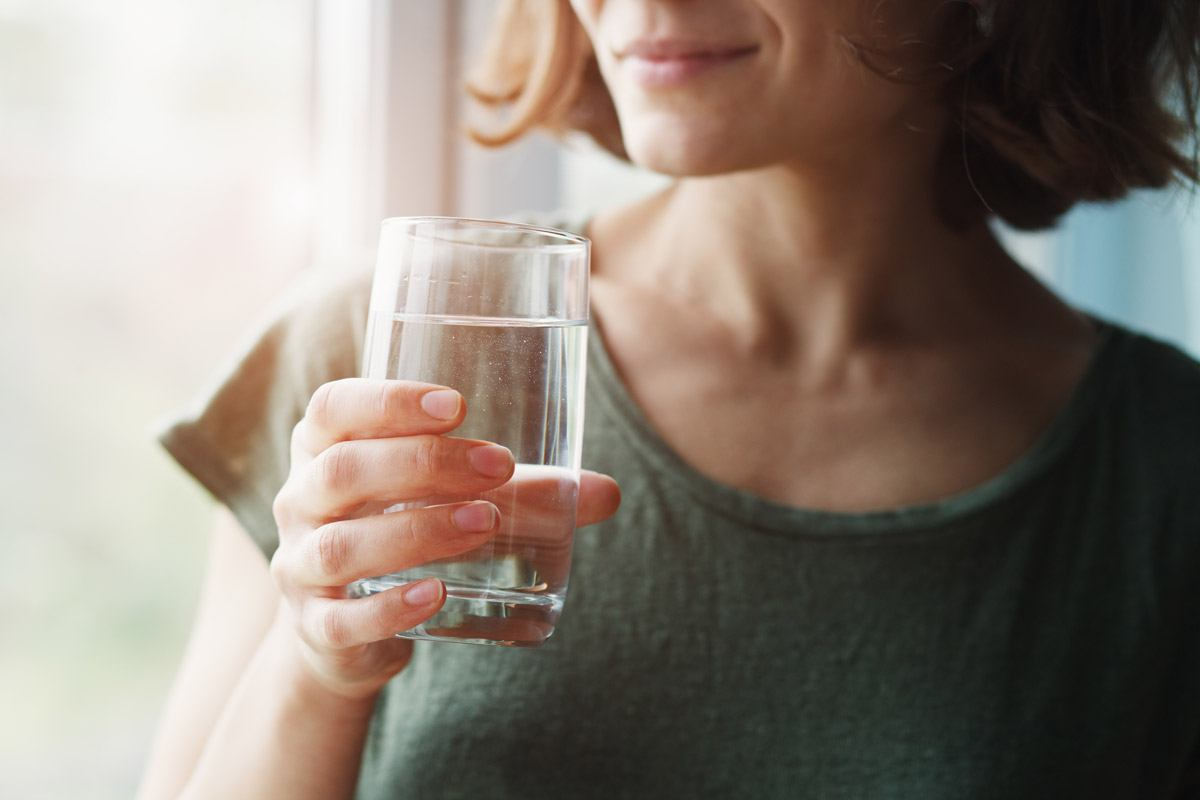 2 Liter Wasser am Tag? Für die meisten ein guter Richtwert.