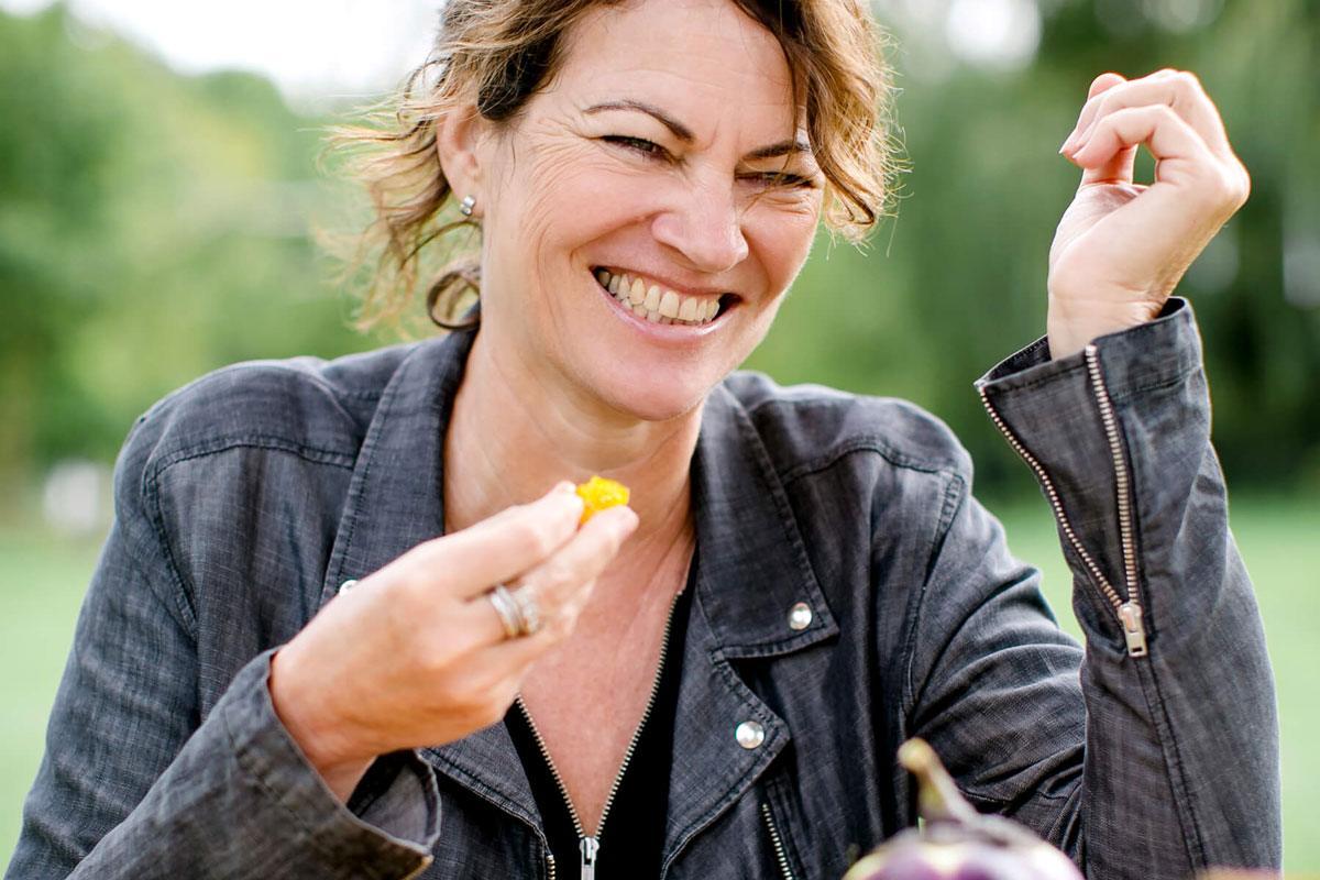 Food-Forscherin Hanni Rützler weiß, was in ZUkunft auf unseren Tellern landet.