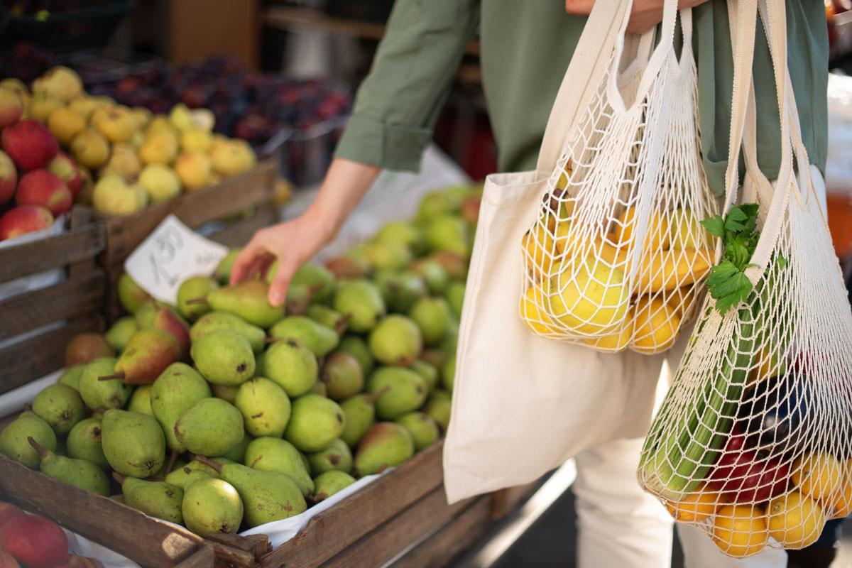 Basische Lebensmittel stellen die gesunde Säure-Basen-Balance wieder her.