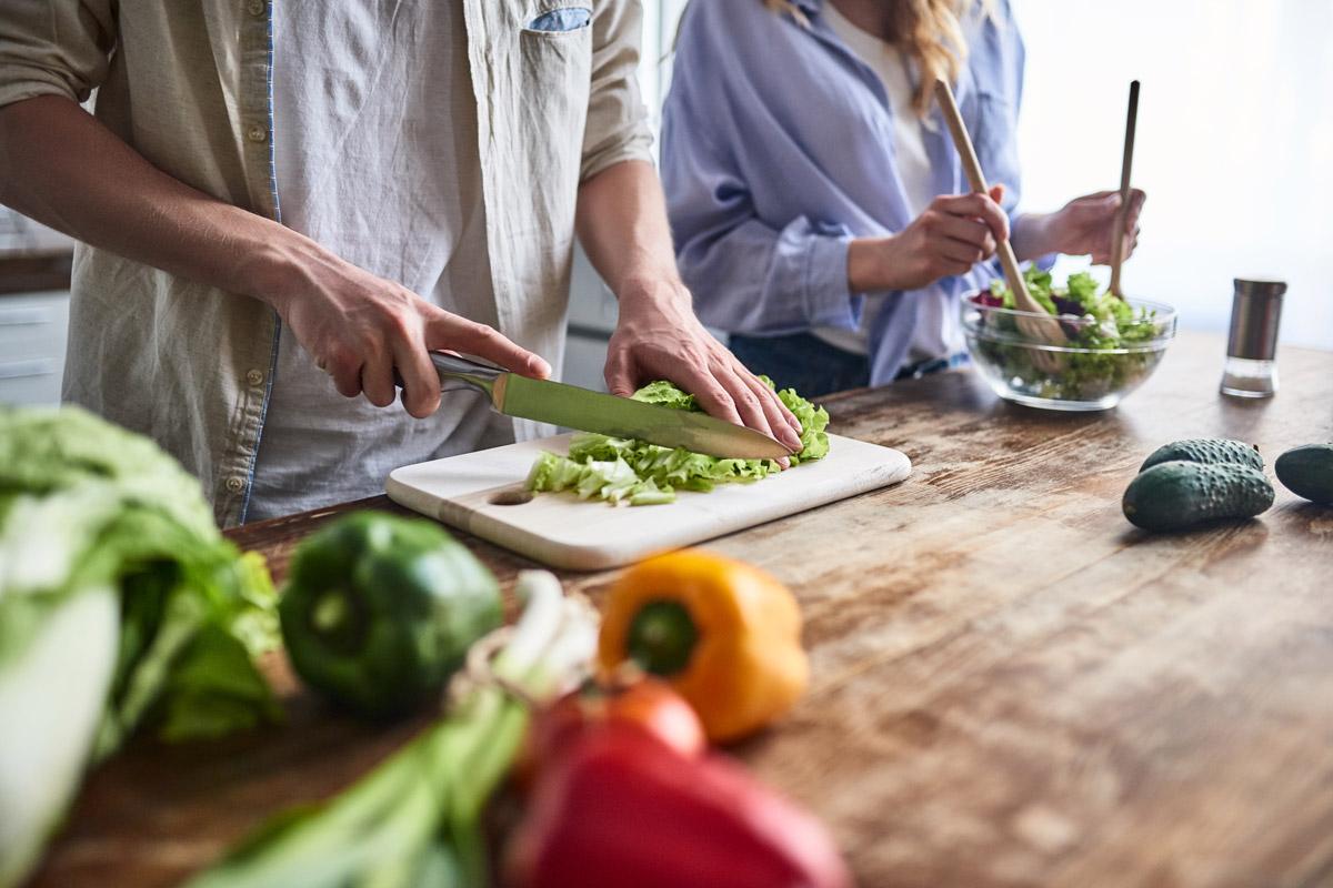 Obst und Gemüse dürfen Sie bei der DASH-Diät so viel essen, wie Sie möchten.