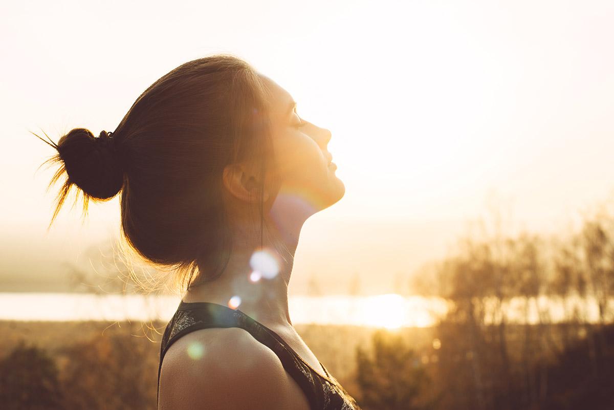 Im Sommer unterstützt uns die Sonnen bei der Vitamin-D-Bildung.