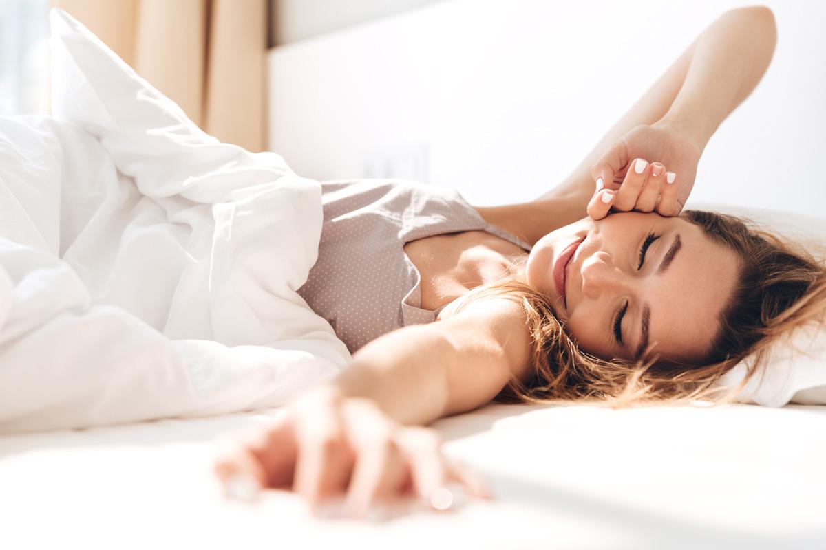 Gut schlafen: Die Ernährung nimmt mehr Einfluss als lange gedacht.