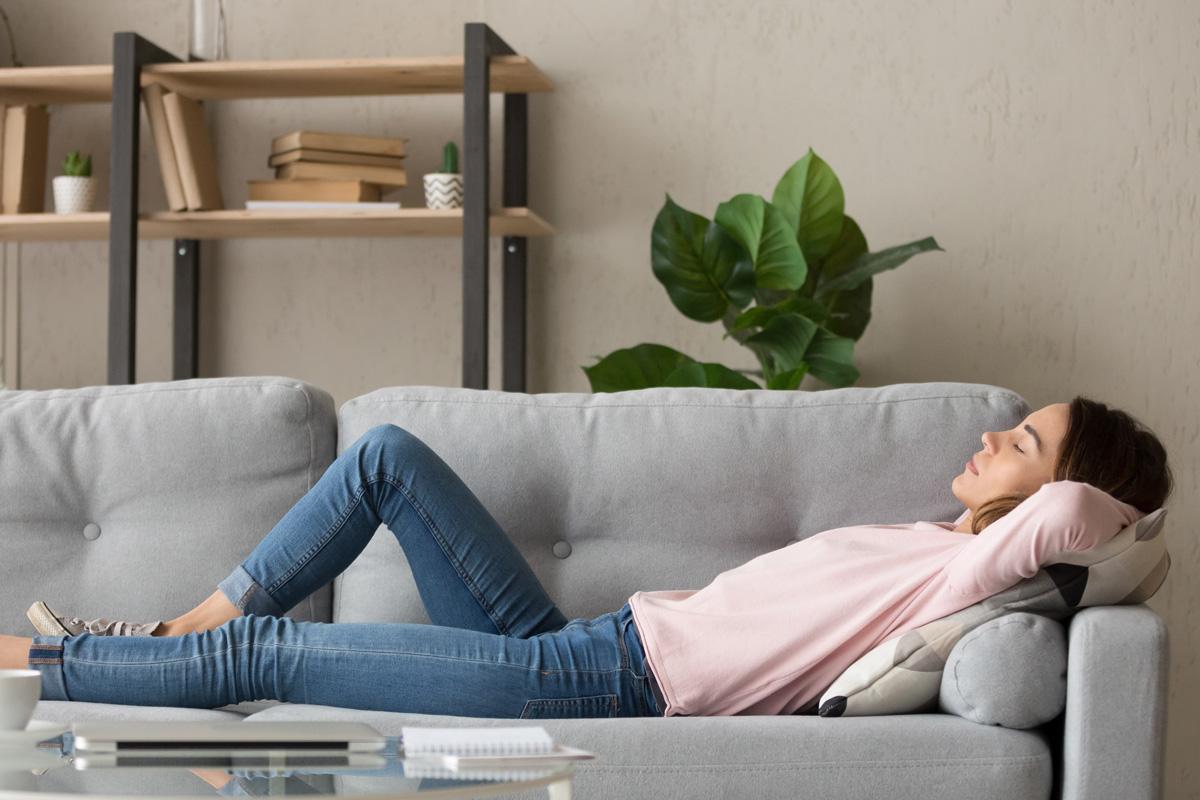 Nicht nur zu wenig Schlaf ist eine Ursache für Müdigkeit.
